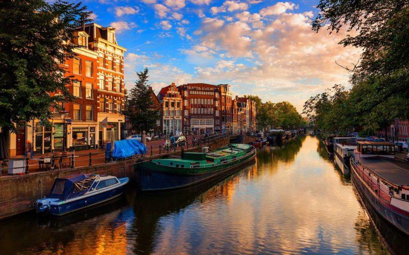 Amsterdam 30